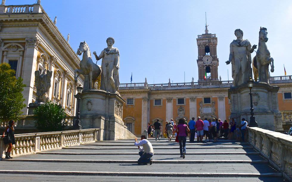Stufen zum Kapitolinischen Hügel in Rom Italien