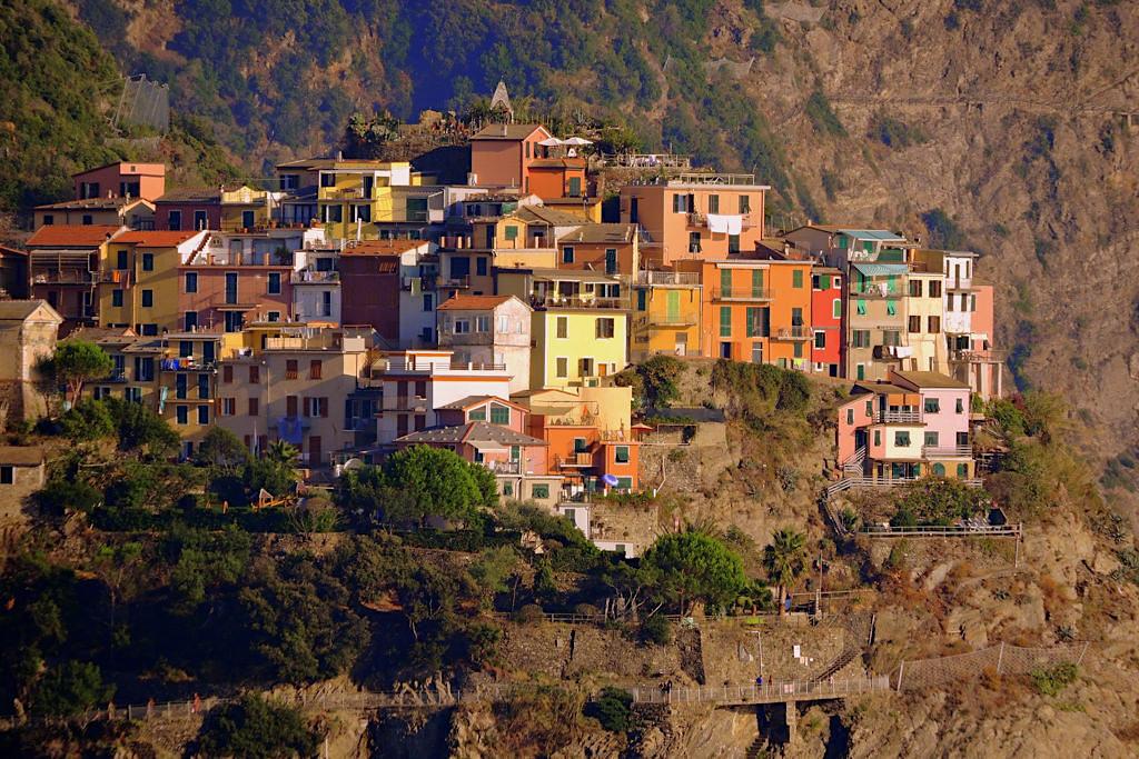 Corniglia, der einzige Ort auf Cinque Terre, der nicht vom Meer erreicht werden kann - Italien