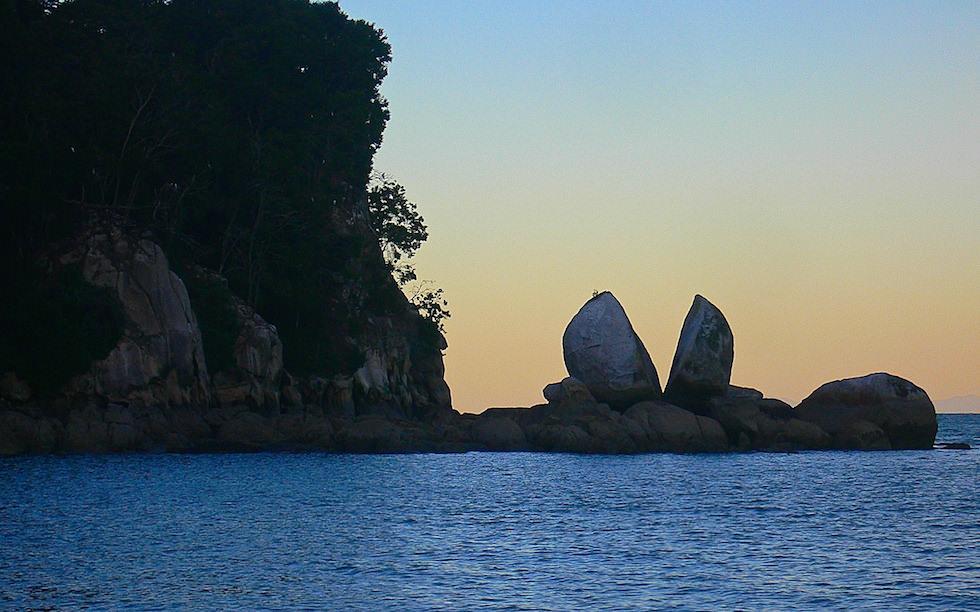 Split Apple Rock near Abel Tasman National Park NZ