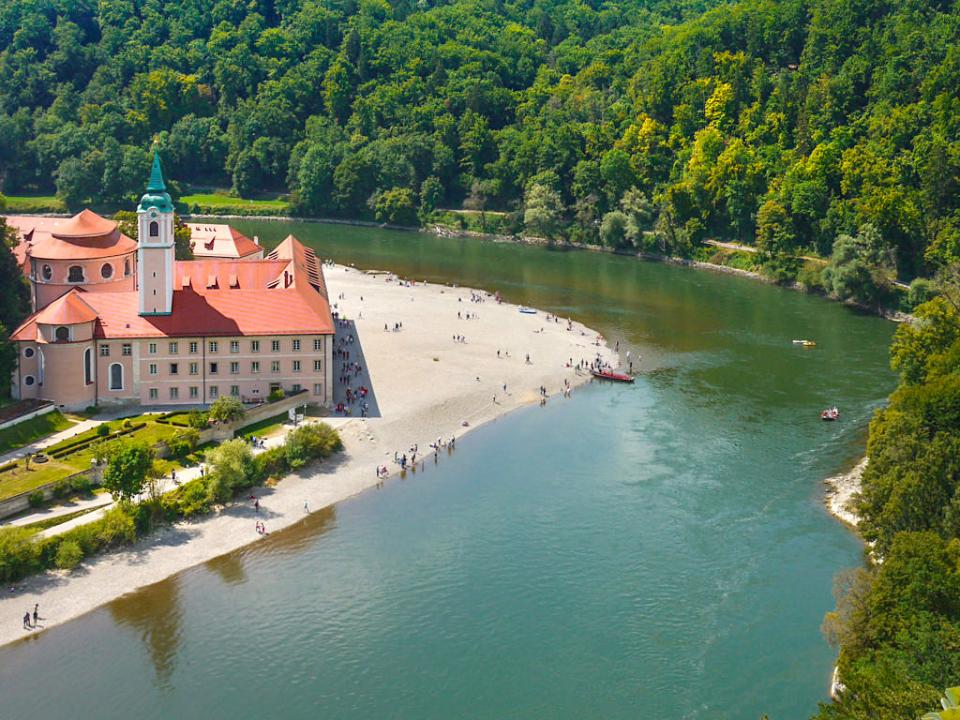 Der wohl schönste Ausblick auf Kloster Weltenburg - Rundwanderung Kelheim - Kloster Weltenburg - Bayern