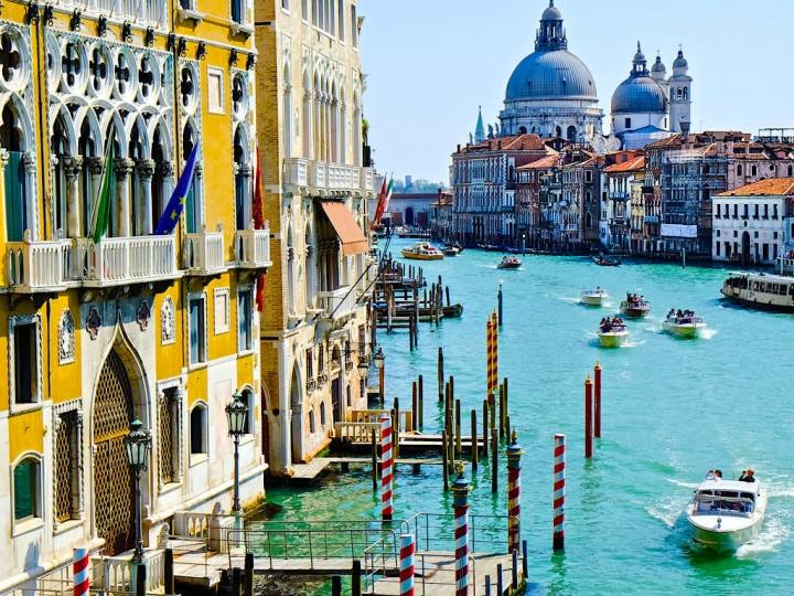 Ist ganz Venedig auf Pfählen gebaut? Geschichte, Bauweise und Entstehung Venedigs - Italien