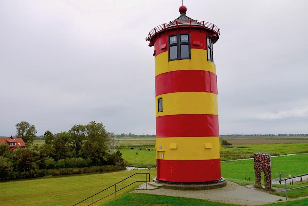 Pilsumer Leuchtturm oder Otto Leuchtturm - Wahrzeichen der Krummhörn - Ostfriesland