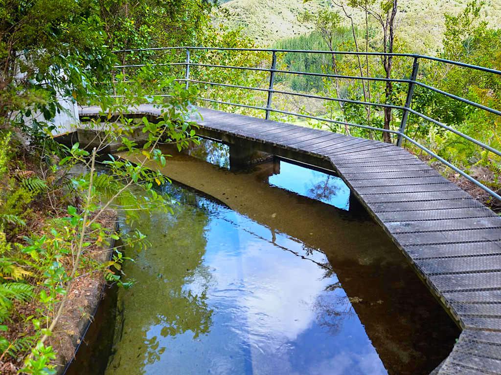 Pupu Hydro Walkway - 3 km lange Wasserrinne Meisterleistung der Ingenieurskunst - Südinseln Neuseeland