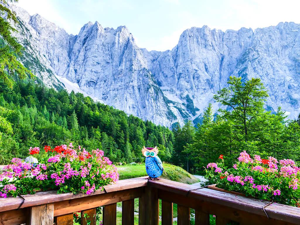 Hüttenkult verbindet Genusswandern mit faszinierenden Ausblicken, leckeren Hüttenschmanckerl & uriger Hütteneinkehr - Region Villach, Österreich
