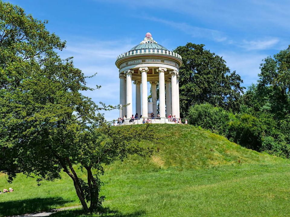Englischer Garten, eine der größten Parkanlagen der Welt - Top München & Bayern Highlight