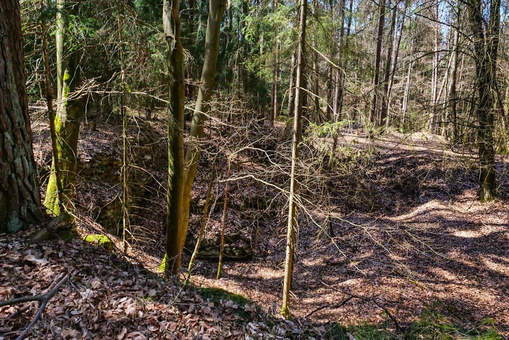 Doline - Steinerne Rinne & Sinterterrassen Wanderung Hoher Brunnen - Erasbach im Altmühltal - Bayern