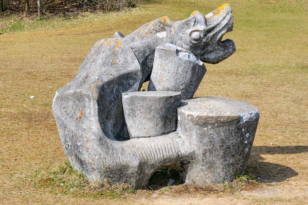78 Skulpturen von Alois Wünsche-Mitterecker im Hessental - TraumSchlaufe Eichstätt Nr. 14 Wanderung - Geheimtipps im Altmühltal - Bayern
