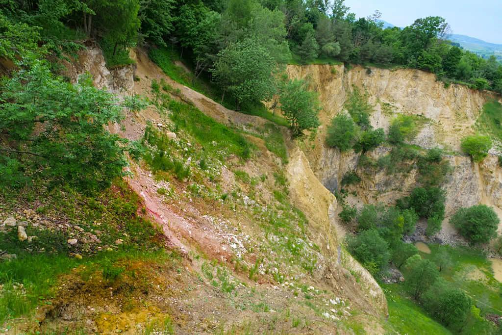 Geotop Lindle - Ries-Ereignis: Bunte Breccie oder Bunte Trümmermassen - Donau-Ries, Bayern